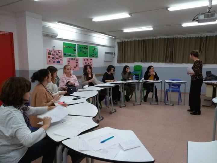 """Comença el taller mensual """"Educar sense cridar"""" amb l'Alba Castellví"""