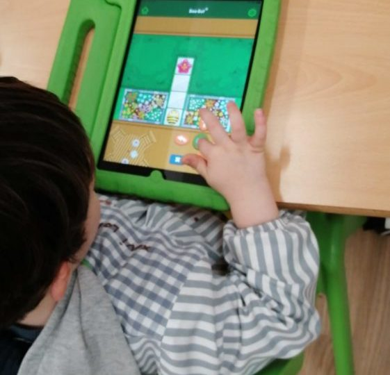 Treballem la lateralitat amb els iPads